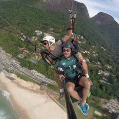 Muita emoção no voo de parapente com o piloto Rodrigo Mangabeira